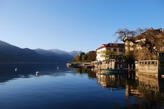 Camere sul lago Fotografia Stock Libera da Diritti