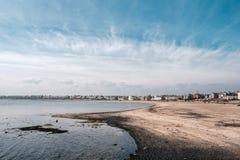 Camere sulla parte anteriore di mare a Newbiggin in Nothumberland fotografia stock libera da diritti