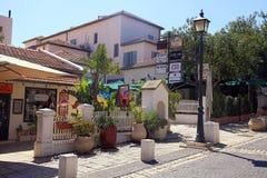 Camere sulla via principale in Zichron Yaakov, Israele fotografie stock libere da diritti