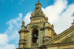 Camere tradizionali di architettura edifici maltesi tradizionali di Malta e destinati esotico del fondo di viaggio di concetto di Immagini Stock Libere da Diritti
