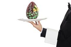 Cameriere con l'uovo di Pasqua Fotografia Stock Libera da Diritti