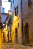 Camerino (gränser, Italien) vid natt Arkivfoto
