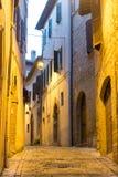 Camerino (marzos, Italia) por noche Fotos de archivo libres de regalías