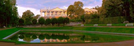 Cameron galeria jest architektonicznym zabytkiem w Catherine parku Pushkin blisko St Petersburg fotografia stock