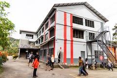 CAMERON-HOCHLÄNDER, MALAYSIA, AM 6. APRIL 2019: Teemitte BOH Sungai Palas bietet freien Fabrikausflug auf Teeherstellung an popul lizenzfreie stockfotos