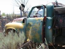 camión, abandonado, desierto Imagen de archivo libre de regalías