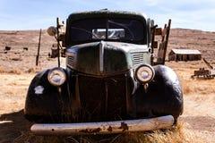 Camión abandonado viejo Imágenes de archivo libres de regalías