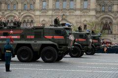Camión acorazado del ` del tifón-k del ` de la policía militar KamAZ-63968 para el transporte de personales Imagen de archivo libre de regalías