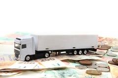 Camión blanco y dinero checo foto de archivo