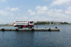 Camión de combustible Imagenes de archivo