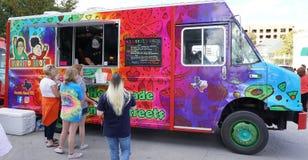 Camión de Fort Worth Texas Food en el trabajo Foto de archivo libre de regalías
