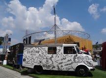 Camión de la comida, expo 2015, Milán Imagen de archivo