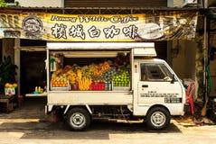 Camión de la fruta en Georgetown, Malasia Fotografía de archivo