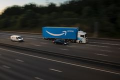 Camión de la prima del Amazonas imagenes de archivo