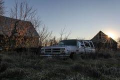 Camión de la puesta del sol Fotos de archivo libres de regalías
