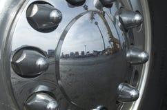 Camión de la rueda Fotografía de archivo libre de regalías