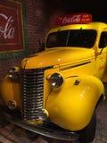 Camión de reparto de Coca-Cola del vintage imagen de archivo libre de regalías