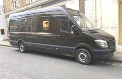 Camión de reparto de UPS fotos de archivo libres de regalías