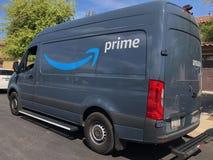 Camión de reparto del Amazonas fotos de archivo