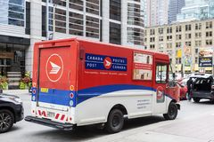 Camión de reparto del correo de los posts de Canadá fotos de archivo