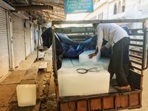 Camión de reparto del hielo del Viejo Mundo de la India fotografía de archivo libre de regalías