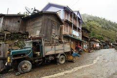 Camión de reparto en el pueblo remoto de Myanmar Fotos de archivo libres de regalías