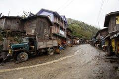 Camión de reparto en el pueblo remoto de Myanmar Foto de archivo libre de regalías