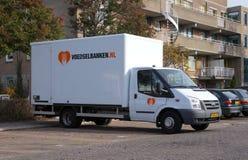 Camión de reparto holandés del banco de alimentos imagenes de archivo