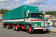 Camión del cargo de Scania LS 140 Foto de archivo