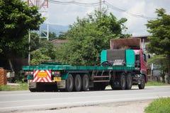 Camión del cargo del remolque de Hino de sor Phatsorn Chai Transport Imagen de archivo libre de regalías