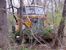 Camión del diamante T, abandonado hace tiempo Imagenes de archivo