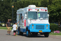 Camión del helado en Flushing Meadows Corona Park foto de archivo libre de regalías