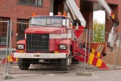 Camión del levantador en emplazamiento de la obra Fotografía de archivo libre de regalías