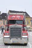 Camión del rojo de la Coca-Cola Imágenes de archivo libres de regalías