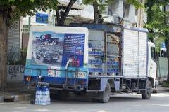 Camión del transporte de la cola del est Foto de archivo