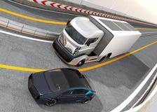 Camión eléctrico híbrido y coche eléctrico blanco en la carretera libre illustration