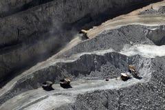 Camión en Chuquicamata, mina de cobre del cielo abierto más grande del mundo, Chile Fotos de archivo libres de regalías