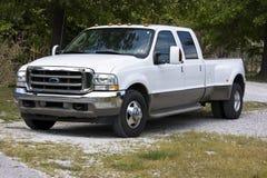 Camión estupendo 2004 del deber de Ford dual Fotografía de archivo libre de regalías