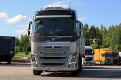 Camión grande de Volvo FH16 francamente Imágenes de archivo libres de regalías