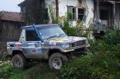 Camión viejo en el pueblo de Vetrintsi Fotos de archivo libres de regalías