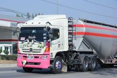 Camión volquete del remolque de la compañía de Tanachai Fotos de archivo