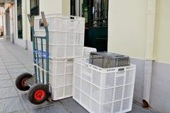 Camión y cajas vacías Imágenes de archivo libres de regalías