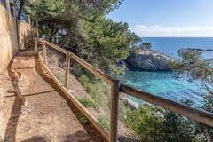 Cami de Ronda, ein K?stenweg entlang Costa Brava stockbild