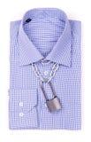 Camicia blu con un lucchetto fotografie stock libere da diritti