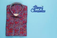 Camicia colorata con il modello floreale Fotografia Stock Libera da Diritti