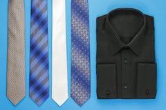 Camicia dell'uomo di colore con i legami Immagine Stock