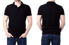 Camicia di polo nera su un modello del giovane Fotografie Stock Libere da Diritti