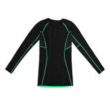Camicia di sport lunga nera della manica con le cuciture di verde isolate su briciolo Immagine Stock Libera da Diritti