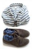Camicia a strisce, scarpe e calzini Fotografia Stock