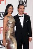 Camila Alves, Matthew McConaughey royaltyfria bilder